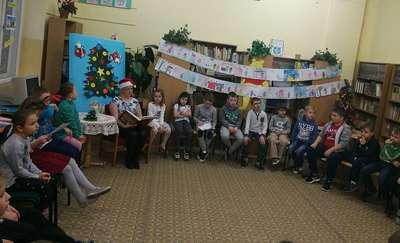 """""""Czytanie łączy pokolenia"""" – impreza czytelnicza w Szkole Podstawowej nr 1"""