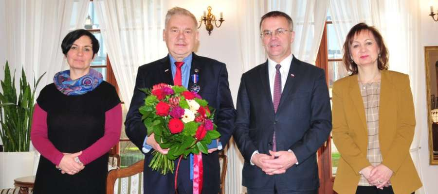 """Dyrektor MZM Mariusz Mierzwiński odznaczony Medalem """"Gloria Artis"""""""