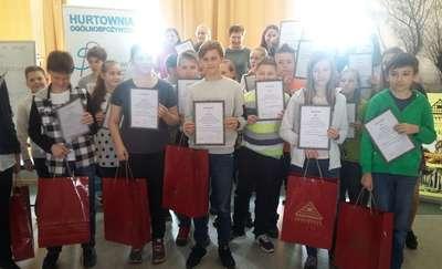 """Reprezentacja """"ósemki"""" wzięła udział w Powiatowym Konkursie Matematycznym"""