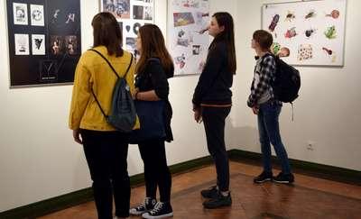Prace dyplomowe uczniów Liceum Plastycznego w Gronowie Górnym na wystawie w Nova Galeria