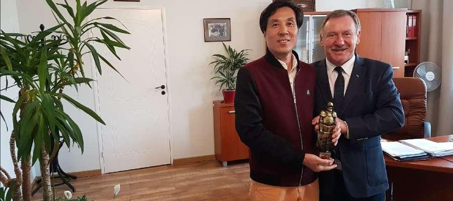 Wizyta gościa z Chin w malborskim magistracie