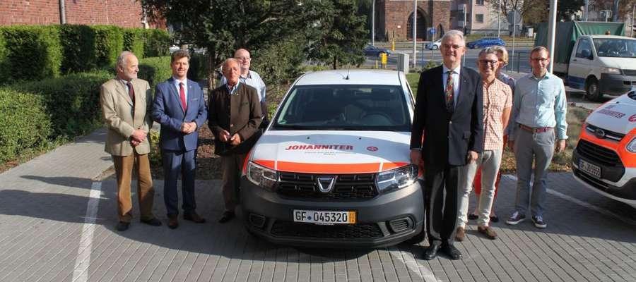 Joannici przekazali nowy samochód dla Stacji Socjalnej w Malborku