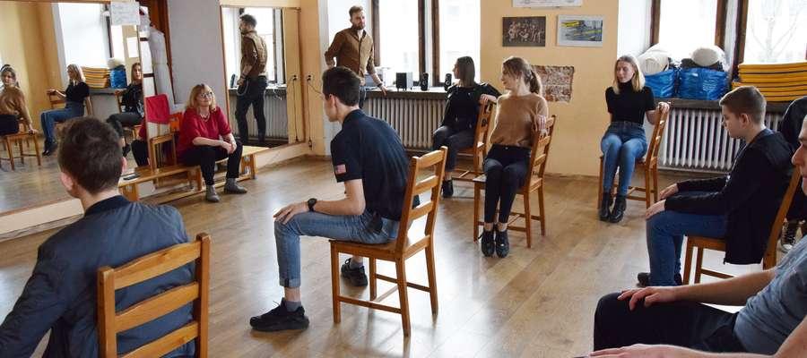 """Trwają próby do spektaklu """"KRZYŻACY ROCK-OPERA junior"""" z udziałem malborskiej młodzieży"""