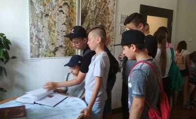 """Uczniowie SP nr 3 na wystawie w """"Nova Galeria"""""""