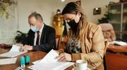 Umowa na wykonanie rewitalizacji budynku przy Placu Słowiańskim 10 podpisana