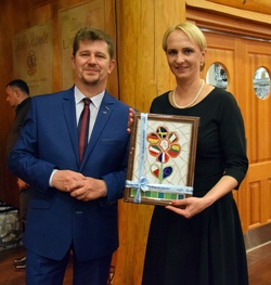 burmistrz Malborka Marek Charzewski i mer Trock Edita Rudelien
