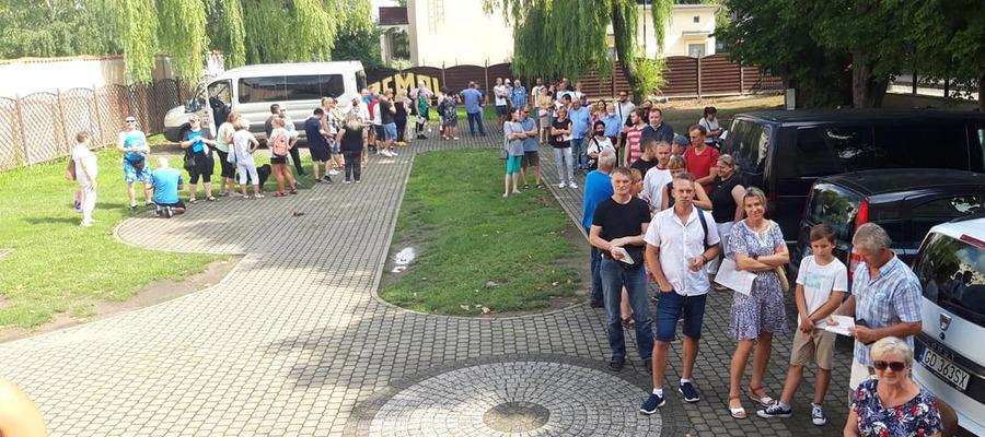 kolejka do szczepienia przed Muzeum Miasta Malborka