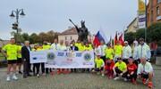 Uczestnicy biegu Lions Charity Run dotarli do Malborka