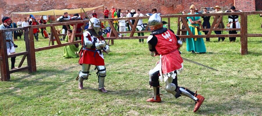 Fani średniowiecznych walk kibicowali rycerzom podczas turnieju o Puchar Federacji IMCF
